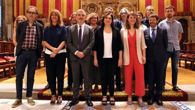 """Colau i Collboni aconsegueixen aprovar """"in extremis"""" el nou govern de Barcelona"""