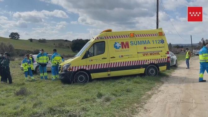 Imatge de l'ambulància al lloc dels fets