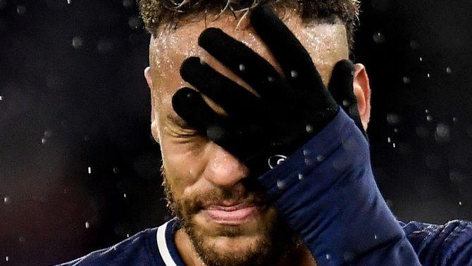 Neymar, objecte de les crítiques dels mitjans francesos