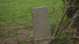 Pedra amb la data 1819 gravada
