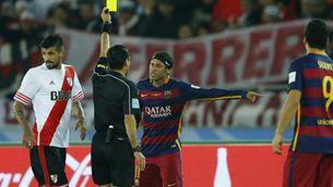 El Barça acaba amb més targetes que el River