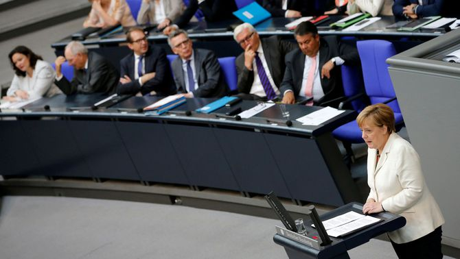 Merkel avisa al Regne Unit que no podrà accedir al mercat únic si nega la lliure circulació de persones