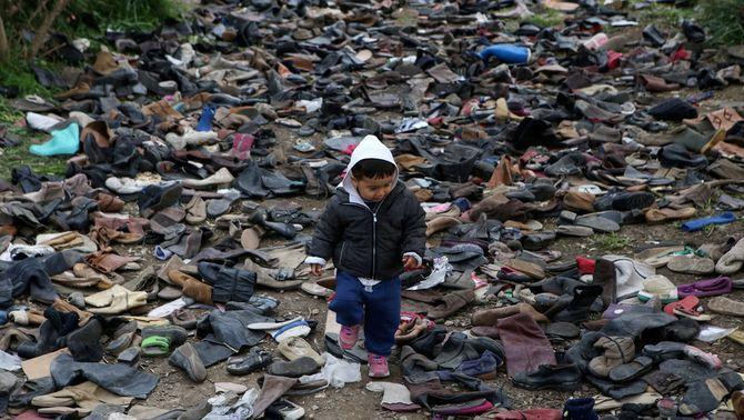 Alemanya s'ofereix per acollir 1.500 menors refugiats a Grècia