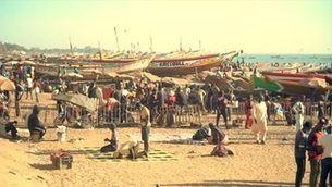 La platja senegalesa es buida de peixos