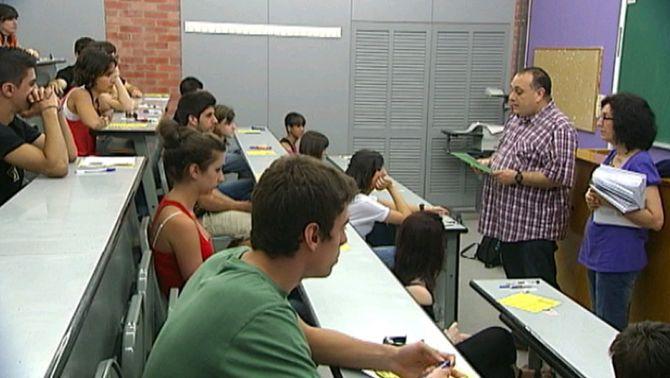 El grau en Física i Matemàtiques de la UAB té la nota de tall més elevada per al curs vinent