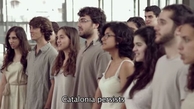 Actuació de l'Orfeó Català versionant l'himne de la Via Bàltica.