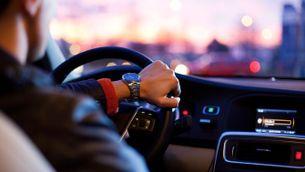 Treure's el carnet de conduir aquest estiu es pot convertir en una odissea