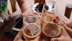 Pateixen pressió social els joves que decideixen no beure alcohol?