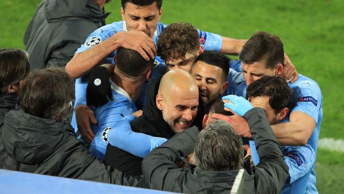 Mahrez i Foden ratifiquen el Manchester City com a semifinalista (1-2)