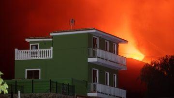 Vols suspesos a La Palma pel núvol de cendra del volcà Cumbre Vieja