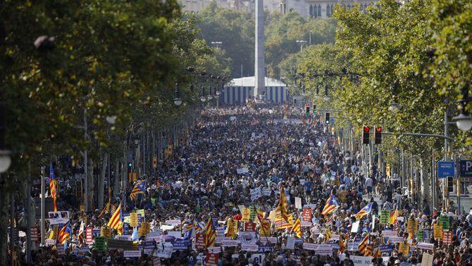 Mig milió de persones clamen #NoTincPor a Barcelona
