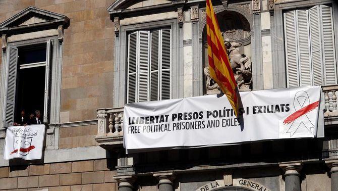 La Junta Electoral denuncia Torra a la Fiscalia i ordena als Mossos retirar el llaç blanc