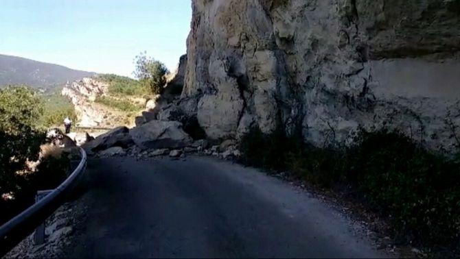 Tallat l'accés principal al congost de Mont-rebei per una esllavissada