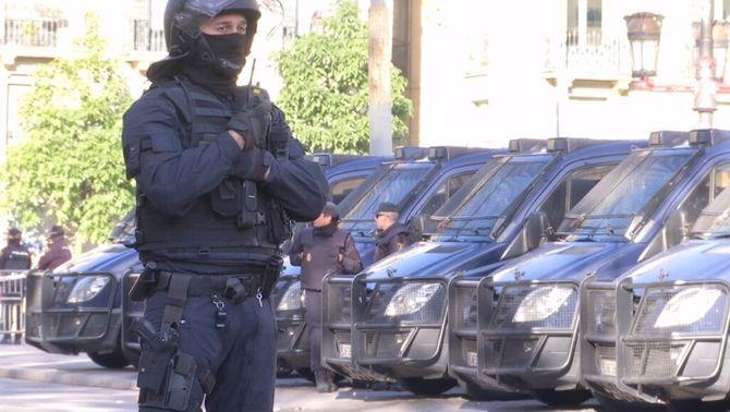 El Ministeri d'Interior envia 1.300 policies i guàrdies civils a Catalunya per la sentència