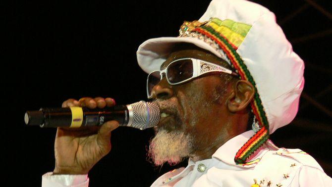 Mor Bunny Wailer, fundador del grup de reggae The Wailers amb Bob Marley
