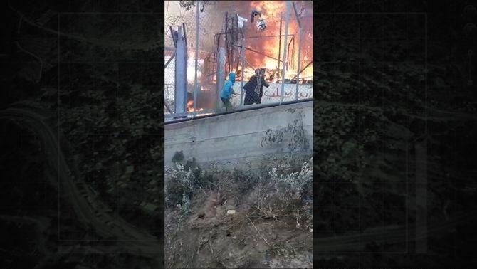 Incendi al camp de refugiats de Samos