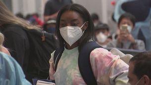 Simone Biles aterra a Tòquio per disputar els seus segons Jocs Olímpics