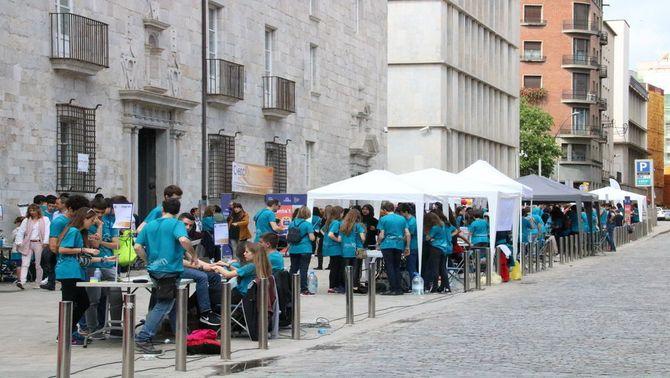 Ciència entre Tots porta un miler d'alumnes i professors de secundària a exposar centenars d'experiments a Girona