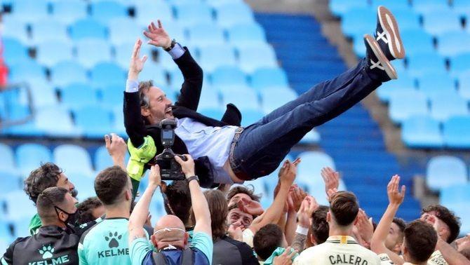L'Espanyol firma una temporada brillant i torna a Primera per la via directa