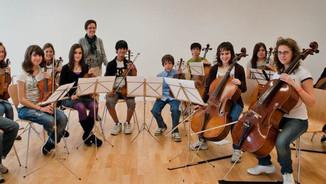 Escoles de música d'iniciativa privada. Alfons Pérez, Elisabet Abelló, Jordi Farré, Manolita Pérez.