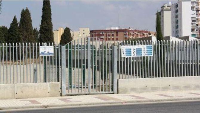 Màlaga instal·la un espai per a gossos sobre una fossa de la Guerra Civil