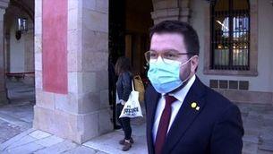 Els passadissos del Parlament s'omplen de mascaretes