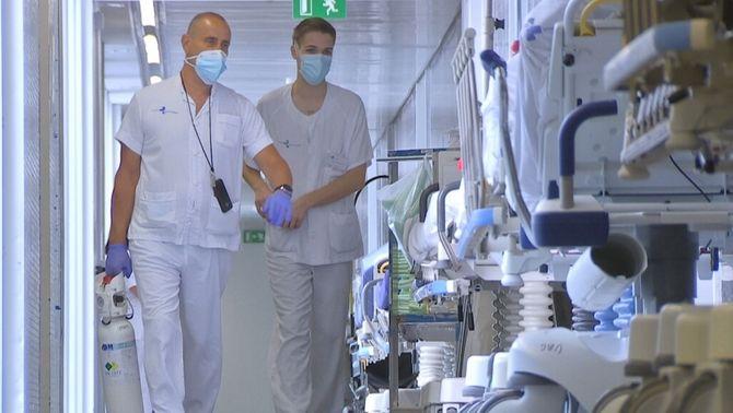 """El pacient més jove a l'UCI del Broggi té 41 anys: """"Està intubat, connectat al respirador"""""""