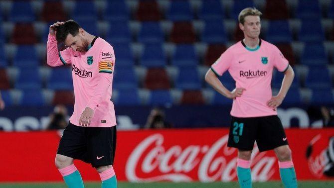 El Barça perd dos punts i bona part de les aspiracions a la Lliga al Ciutat de València (3-3)