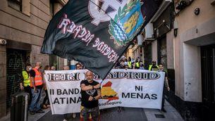Els manifestants portaven simbologia nazi i han fet proclames racistes i homòfobes