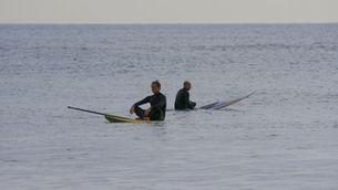 Gaspar Hernández i Manel Saltor en una taula de paddle surf