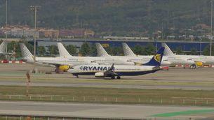 Més de 300 entitats fan front comú contra l'ampliació de l'aeroport del Prat