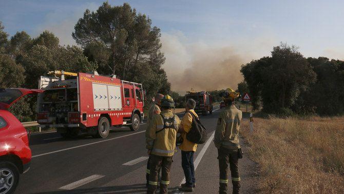 El punt de la carretera GI-623 per on ha saltat el foc de Ventalló (ACN/Gerard Vilà)
