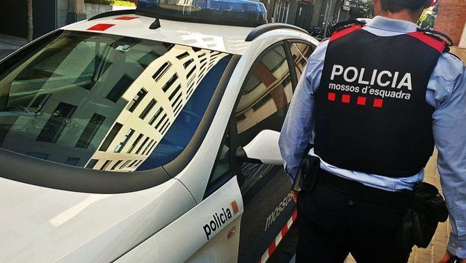 Detenen un conductor begut i sense carnet per atropellar un ciclista i fugir a Albatàrrec