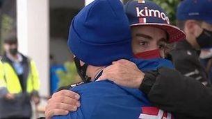 El bonic gest d'Alonso amb Schumacher