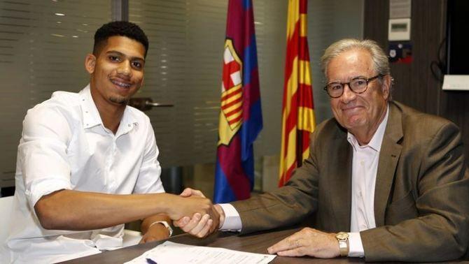 El Barça confirma el fitxatge del central uruguaià Ronald Araújo per al filial