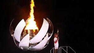 La tennista Noami Osaka ha fet l'últim relleu i ha encès el peveter per obrir els Jocs de la XXXII Olimpíada