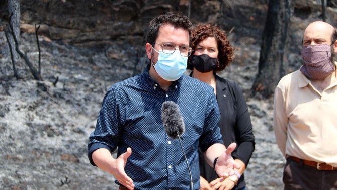 Pere Aragonès visita els efectes del foc de la Conca de Barberà i l'Anoia