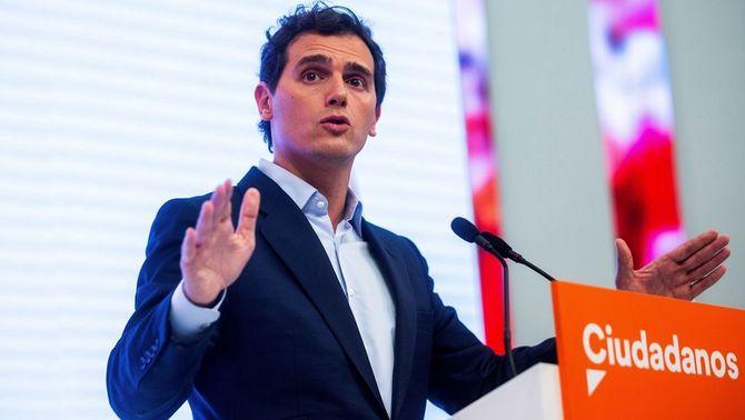 Rivera proposa al PP permetre la investidura si Sánchez accepta tres condicions