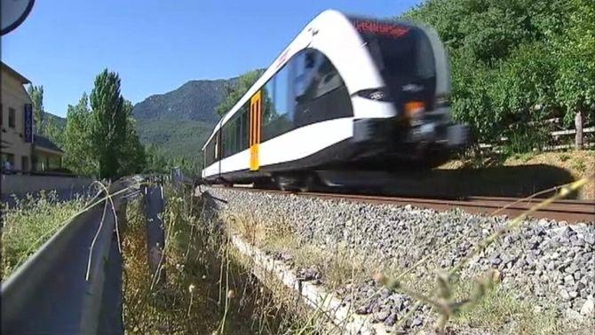 Entra en servei el nou tren de la Pobla de Segur, inaugurat amb mesos de retard per les exigències d'homologació de l'Estat