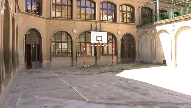 El govern convertirà en públiques escoles concertades poc viables que ho demanin