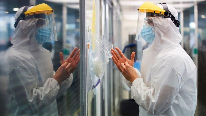 Els morts per coronavirus a Catalunya són gairebé el doble, 7.097, amb el nou recompte de Salut