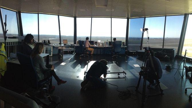 """L'equip del """"Sense ficció"""" durant la gravació d'un documental"""