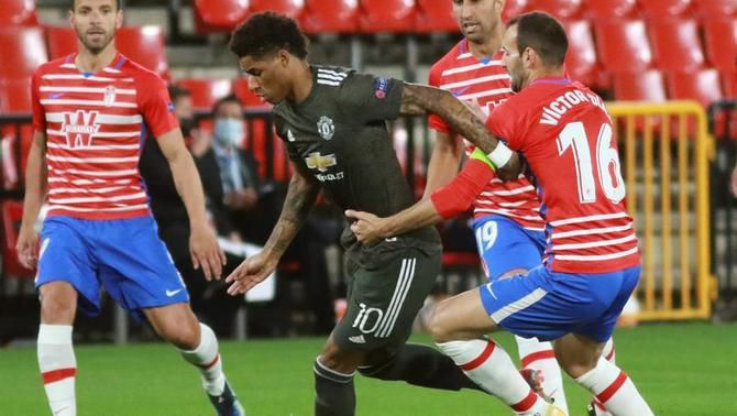 El United desperta del somni al Granada (0-2)