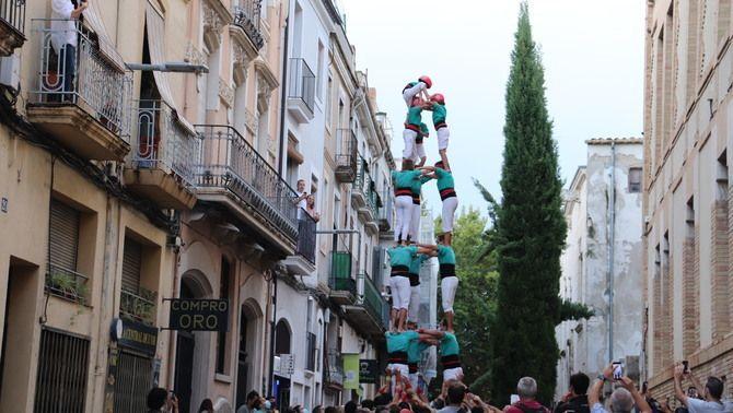 Els Castellers de Vilafranca fan la primera actuació completa després de gairebé dos anys d'aturada (ACN/Maria Asmarat)