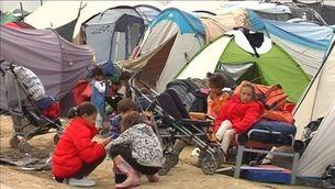La policia grega desallotja el camp de refugiats d'Idomeni
