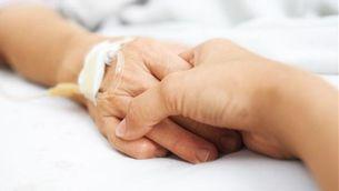 Tercer intent socialista per tirar endavant la llei de despenalització de l'eutanàsia