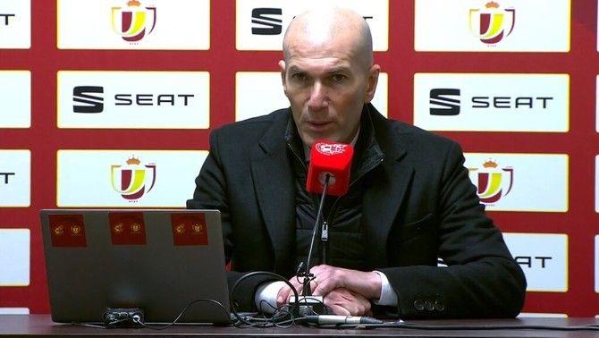 """Zidane: """"No és una vergonya, són coses que passen en una carrera d'un futbolista"""""""
