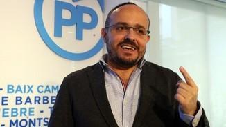 """Imatge de:Alejandro Fernández visita el Comunista: """"Estimeu-me menys i voteu-me més"""""""