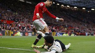 L'agressió de Cristiano Ronaldo que s'ha quedat en targeta groga