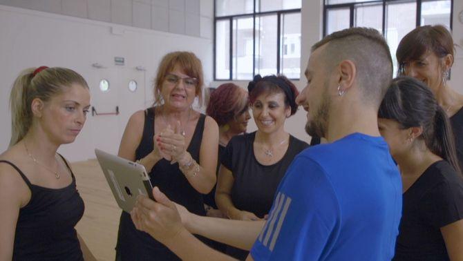 """Imatge d'un taller del programa """"Ballar"""""""